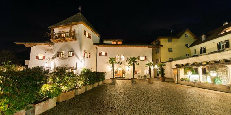 Front View of Schwartz Adler Turmhotel, Kurtatsch