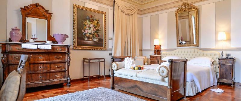 Room in Villa Beccarius hotel in Monforte dàAlba, Barolo DOCG